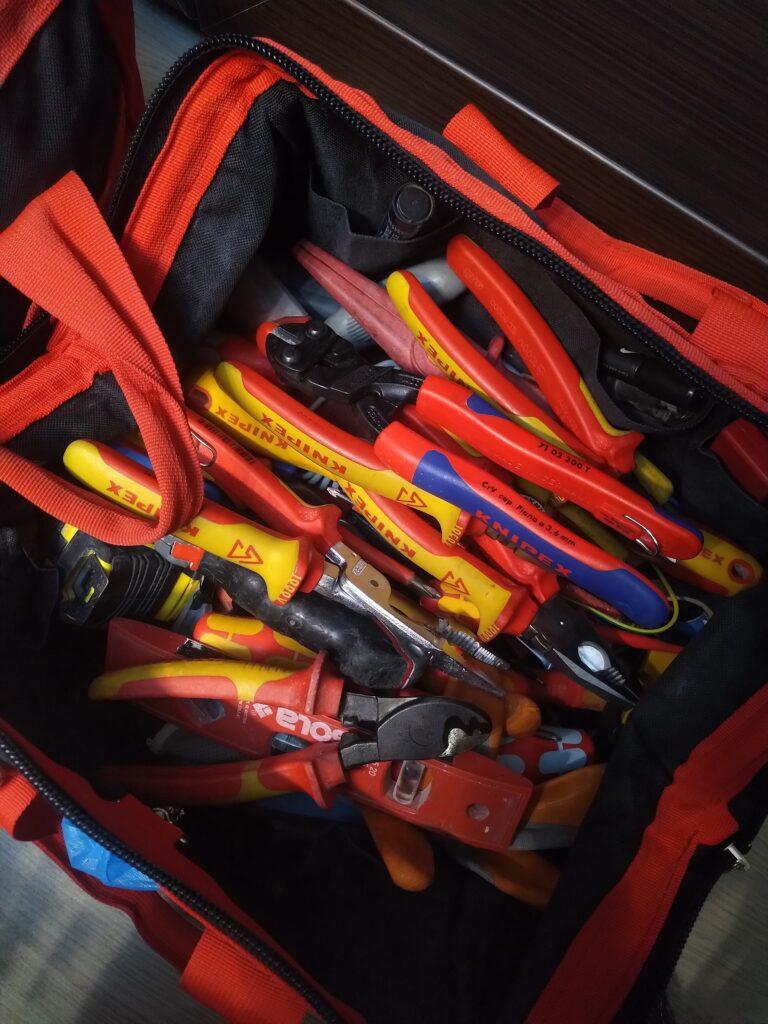 инструменти за ел техник