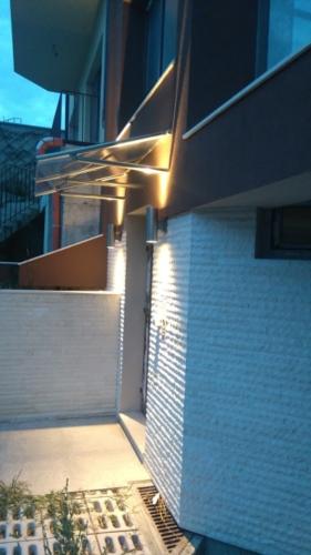 Монтиране на фасадно осветление